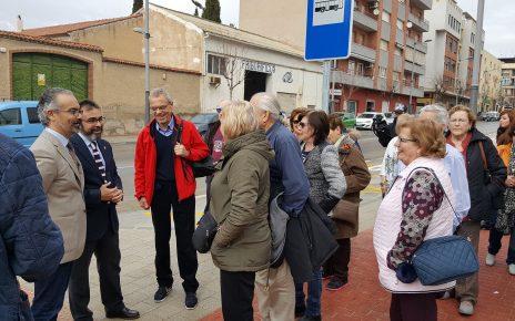 El Consejero y el Alcalde reciben a los primeros turistas del apeadero