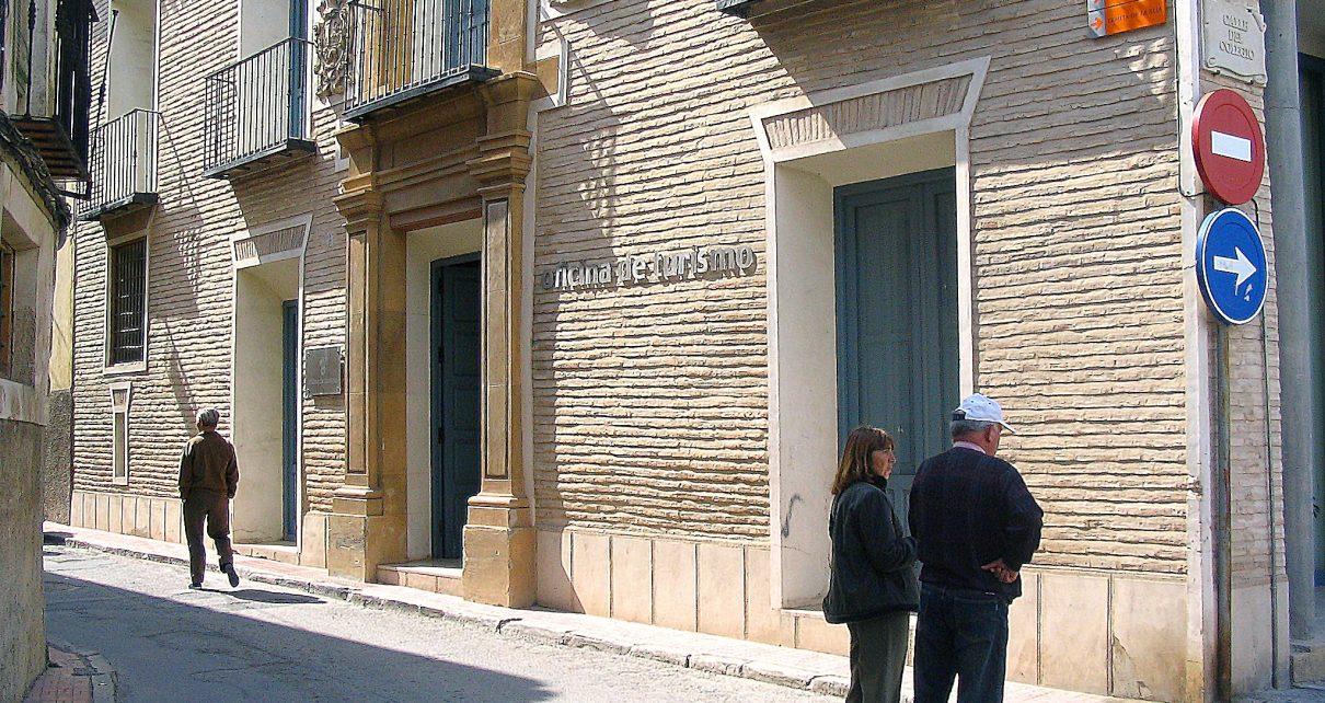 El ayuntamiento refuerza los servicios de atenci n tur stica durante el a o jubilar caravaca - Oficina de turismo murcia ...