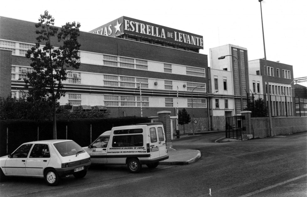 Fábrica de Estrella de Levante en noviembre de 1995